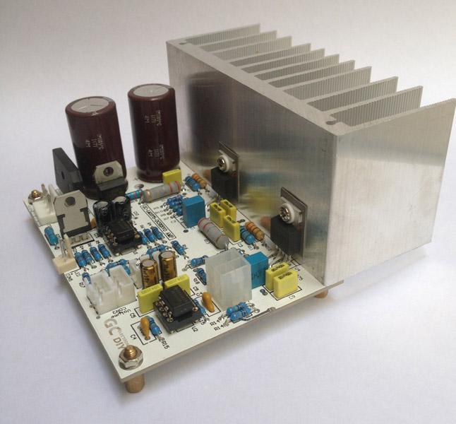 前级的电源为 -15v,我用简单稳压ic,7815及7915来达成.